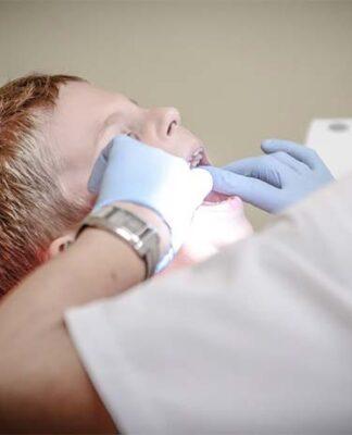 Wizyta u dentysty z dzieckiem niepełnosprawnym